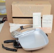 NOS Lasko Automatic Square Meal Electric Skillet Removable Base
