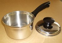 Universal Ware Stainless 1 Quart Sauce Pan w/Lid XCNM