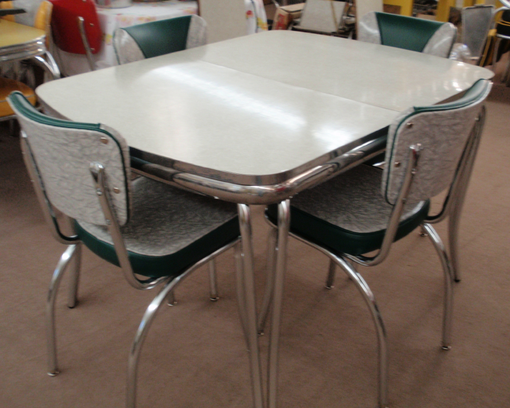 Vintage Grey Cracked Ice 36x48 Dinette Table w/NEW Chairs & Legs